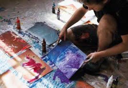 Christian Awe verfolgt mit seinen Bildern hauptsächlich zwei verschiedene Ansätze.